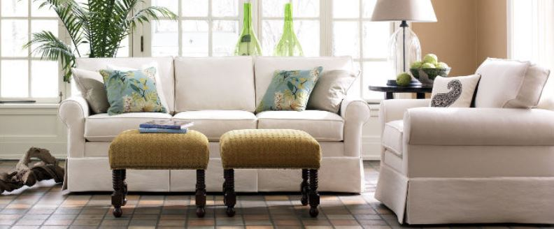 5 Signs Your Living Room Needs an Update
